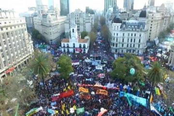 Los sindicatos realizarán una gran marcha contra el Gobierno en agosto