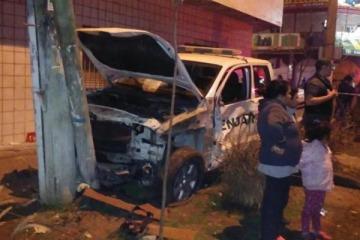 Móvil de Gendarmería desenfrenado se subió a la vereda y atropelló a una familia