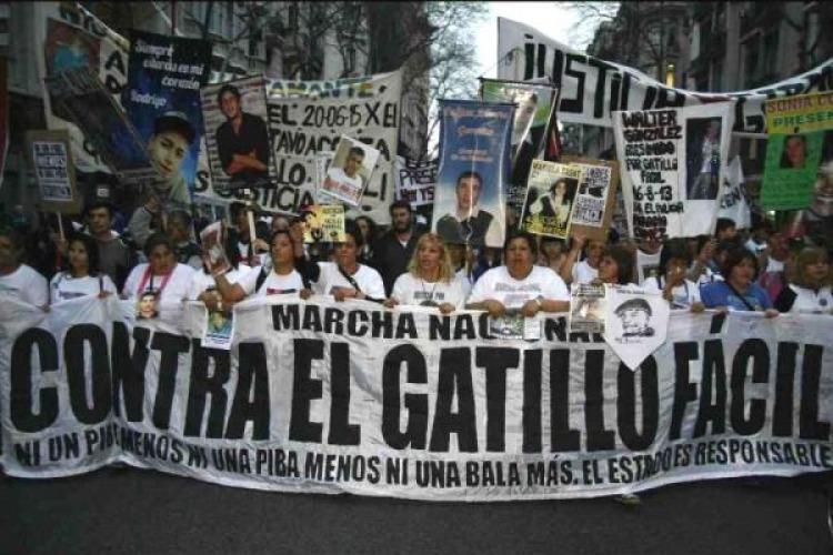 Masivas marchas exigieron la aparición con vida de Santiago Maldonado