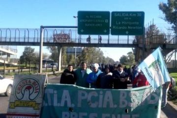 Trabajadores de Cresta Roja reclaman la reincorporación de 600 personas despedidas