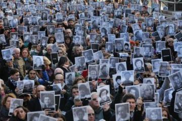 Denuncian al Gobierno por bloquear el acceso a los archivos del atentado a la AMIA