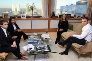 Vidal dijo que Festa cobra más que ella y el intendente de Moreno le respondió con el recibo de sueldo