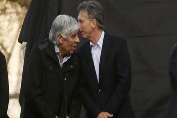 El Gobierno va por Moyano y ataca a Independiente