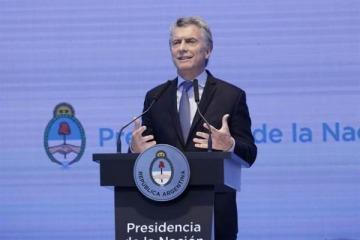 Macri cuestionó aumento en cantidad de universidades, obras sociales y sindicatos