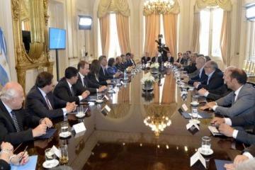 Macri culpó a la suba de salarios estatales por la falta de creación de empleo privado