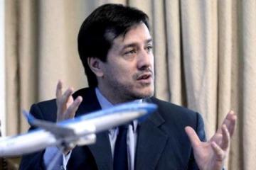 """Recalde calificó a la llegada de Flybondi como """"la muerte lenta de Aerolíneas Argentinas"""""""