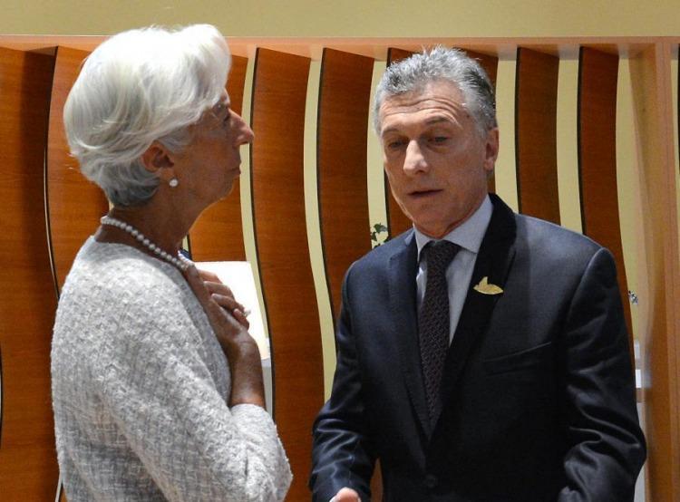 El FMI sugiere reducir las jubilaciones y los salarios