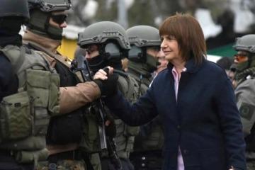Patricia Bullrich ascendió al gendarme imputado en el caso Maldonado