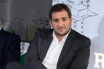 El polémico empresario que compró la empresa de Caputo y busca quedarse con terrenos estatales