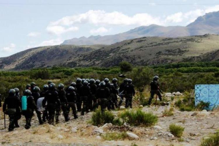 Violento operativo de Gendarmería en la comunidad mapuche donde murió Santiago