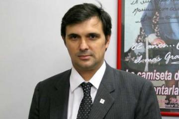 Grave: denuncian a un asesor de Menéndez por abuso sexual, golpes y violencia psicológica