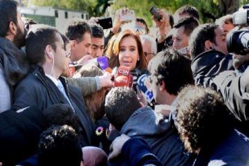 Un fiscal pidió elevar a juicio oral a CFK por supuesto encubrimiento del atentado a la AMIA