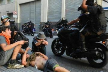 Confirman procesamiento al policía que atropelló a un joven durante la protesta contra el ajuste a jubilados