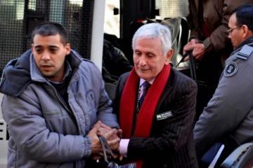Vuelve a su lugar: le revocaron la prisión domiciliaria al genocida Miguel Etchecolaz