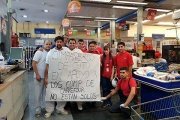 La emocionante foto de los trabajadores de Coto