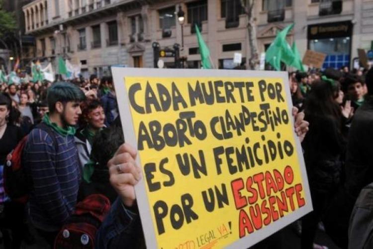 Debate por el aborto: empiezan los Martes Verdes en plaza San Martín