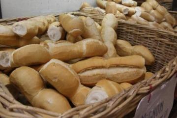 Entre el tarifazo y el aumento de la harina se dispara el precio del pan