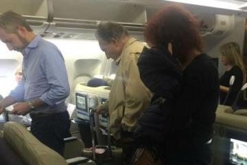 Tras el bloqueo macrista a los proyectos anti tarifazos, Frigerio se tomó un avión y descansará en Miami