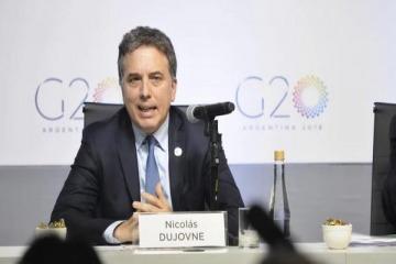 Nicolás Dujovne gana poder en el Gabinete y desplaza a hombres de Marcos Peña