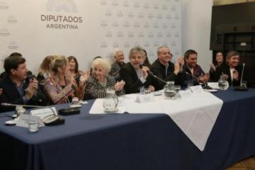 Diputados de todos los bloques promovieron la candidatura de Abuelas para el Nobel de la Paz
