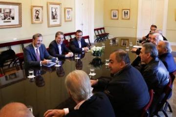 """""""Cuarto intermedio hasta el martes"""", la decisión de la CGT sobre el paro tras la reunión con el Gobierno"""