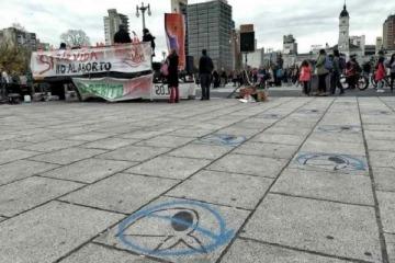 Vandalizan pañuelos de Madres de Plaza de Mayo en La Plata