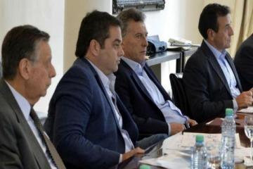 Triaca busca reabrir las paritarias que cerraron al 15% para evitar conflictos