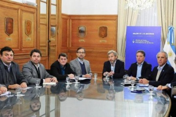 """Ajuste de Cambiemos: un ministro de Economía provincial describió la reunión con Dujovne como un """"velorio"""""""