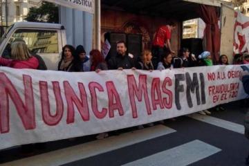 Organizaciones políticas y sociales marcharon contra el FMI