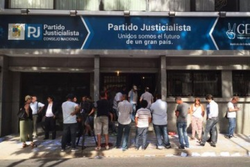 Intiman a Barrionuevo para que entregue las llaves del PJ