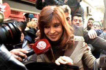 Cristina pidió la nulidad de la causa de los cuadernos y recusó a Bonadio y a Stornelli