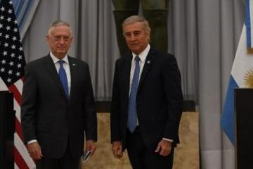"""Aguad se reunió con el secretario de Defensa estadounidense para """"estrechar la colaboración militar"""""""