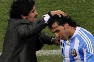 """""""Lo veo muy macrista, muy boludo a Carlitos y si es macrista, ya no es más el Jugador del Pueblo"""""""