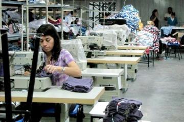 """""""Suspensiones, despidos y desempleo"""", el oscuro panorama del jefe de los CEOs textiles sobre la crisis de Macri"""