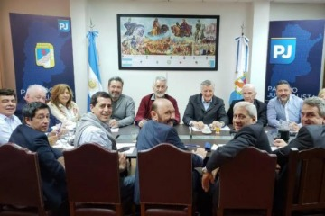 El PJ responde el lanzamiento de Alternativa Argentina con un nuevo frente político