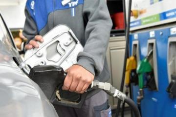 Más tarifazos: las naftas volverán a subir el sábado y en 12 meses ya aumentaron un 80%