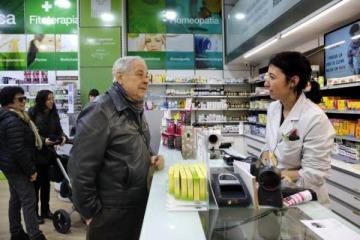Grave: más de la mitad de los bonaerenses y porteños dejó de comprar medicamentos por no poder pagarlos