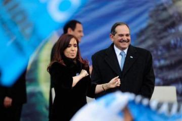 Un senador justicialista aseguró que habló con Massa sobre la participación de Cristina en el armado de unidad