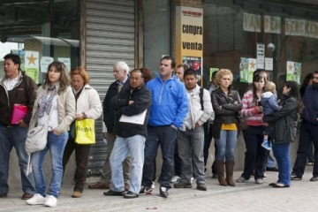 Argentina es el país que más subestima su posición económica en el mundo