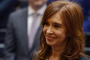 """Cristina Kirchner: """"Entre todos podemos volver a construir un país mejor"""""""