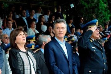 """Bullrich consideró """"normal"""" la presencia de fiscales rebeldes de la Justicia junto con el Presidente"""