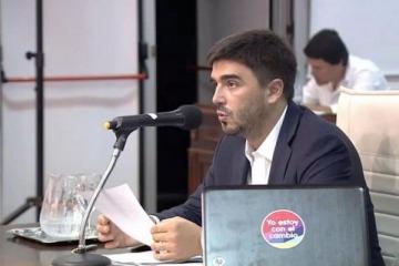 """Intendente de Cambiemos pidió desdoblar las elecciones provinciales para """"quitarle poder de fuego a Cristina"""""""