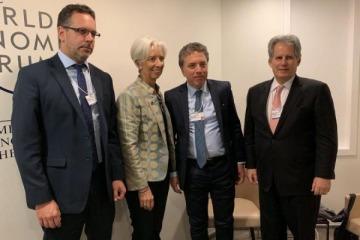 """En Davos, Lagarde reiteró """"el firme apoyo"""" del FMI a la Argentina"""