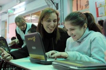 Vidal echó a 36 docentes por correo electrónico para beneficiar a empresas privadas de capacitación