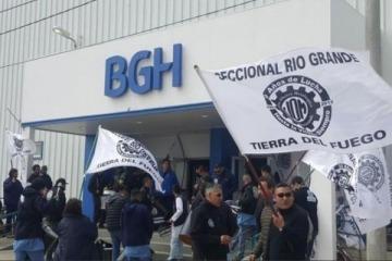 Por el hundimiento industrial, denuncian que BGH echará a la mitad de sus trabajadores en Tierra del Fuego