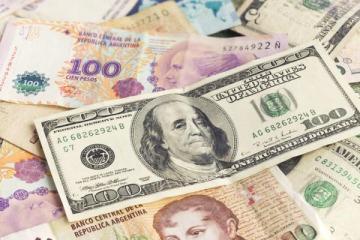 El peso argentino es la peor moneda del mundo según analistas internacionales