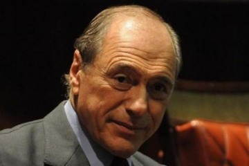 """Raúl Zaffaroni sostuvo que algunos DNU de Macri tienen """"perfume a dictadura"""""""