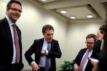 Congelar la obra pública y subir el IVA, las recomendaciones del FMI al Gobierno