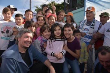 Máximo Kirchner participó de un locro popular en Quilmes junto a Mayra Mendoza