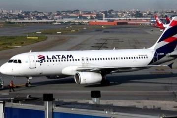 """La aerolínea más grande de la región perdió 60 millones de dólares en el país de la """"revolución de los aviones"""""""